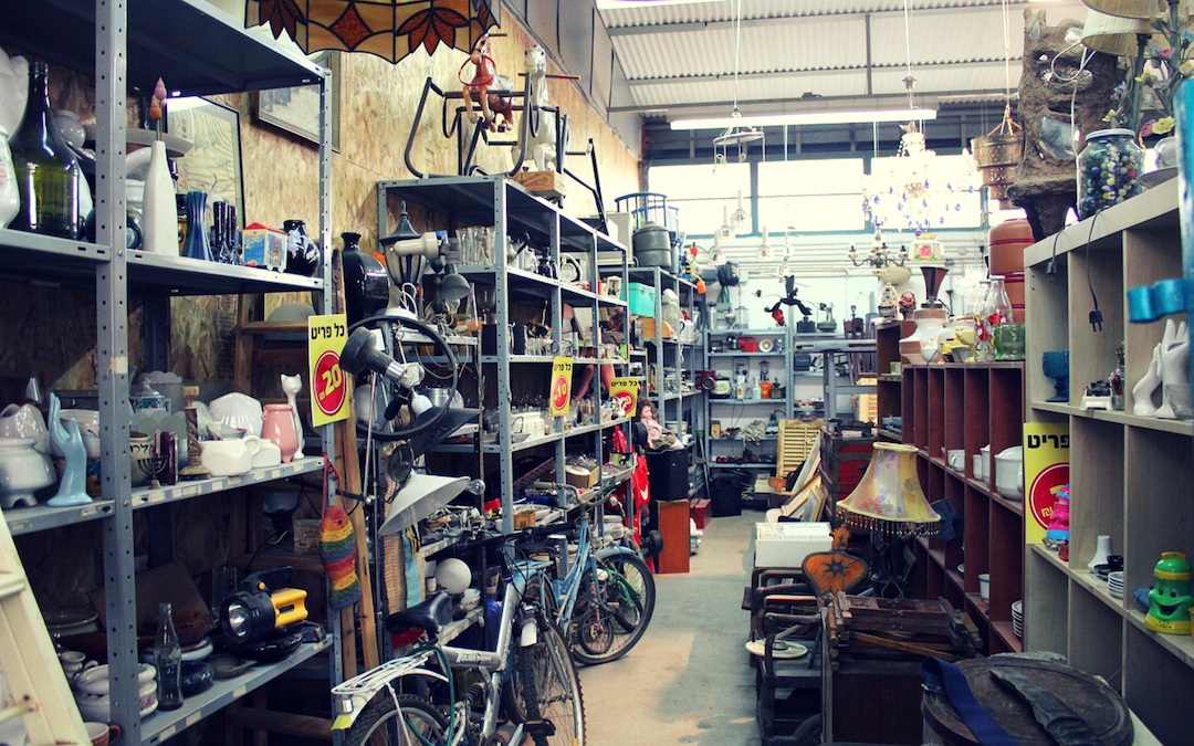 Flea Market Flipper: Behind the Scenes of a Six-Figure eBay Business